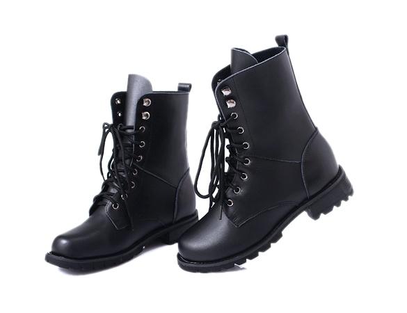 Combat boots- 5.19$