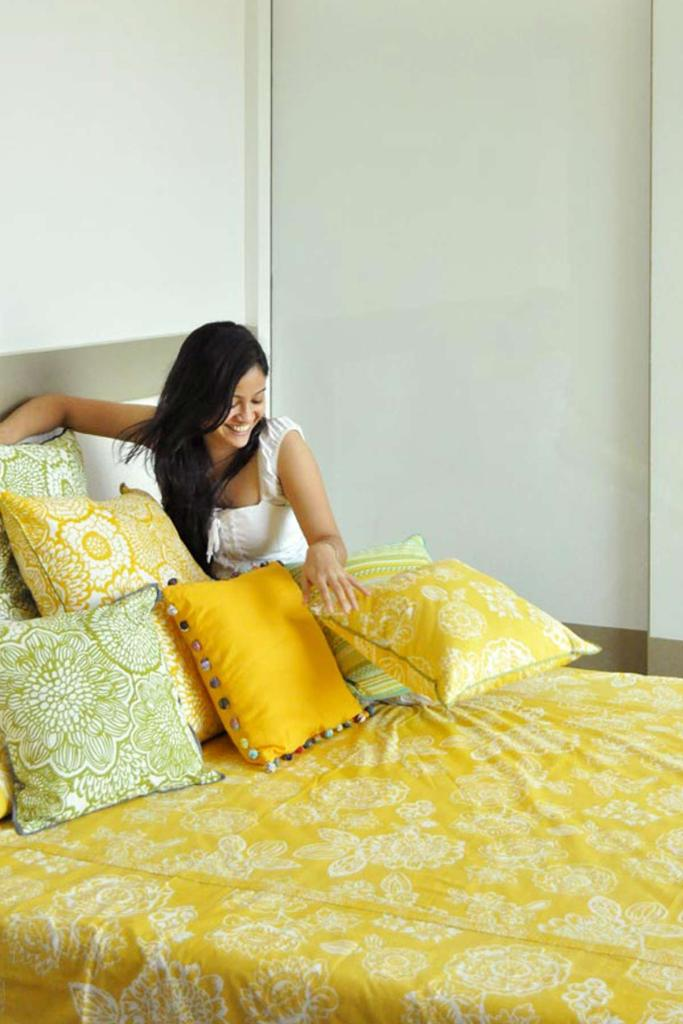 KAUSUMA BEDCOVER DOUBLE SOFT YELLOW L 108 X W 90 IN