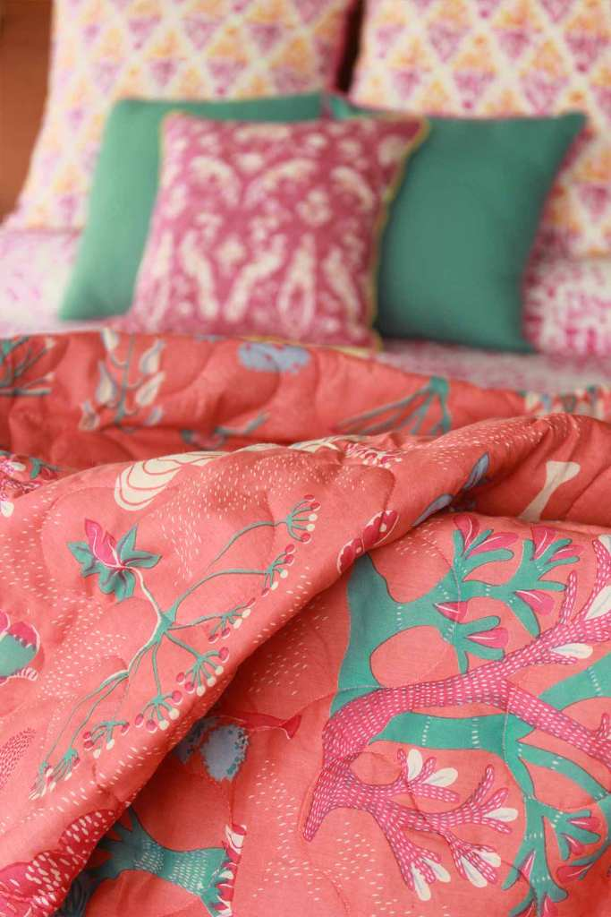 WONDERLAND QUILT DOUBLE CORAL L 100 X W 90 IN (2)