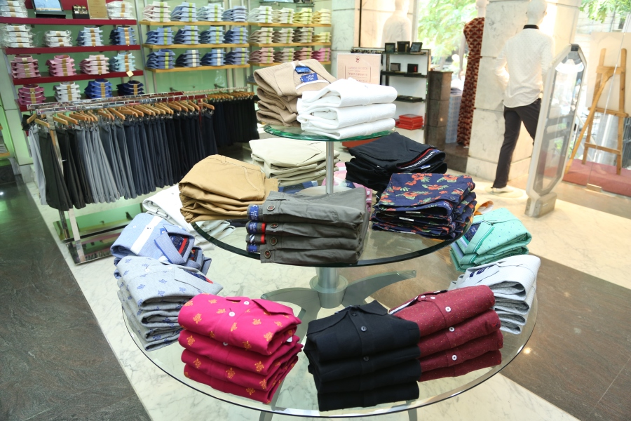 Wills Lifestyle Signature collection 2016- Men's Polo and shorts collection