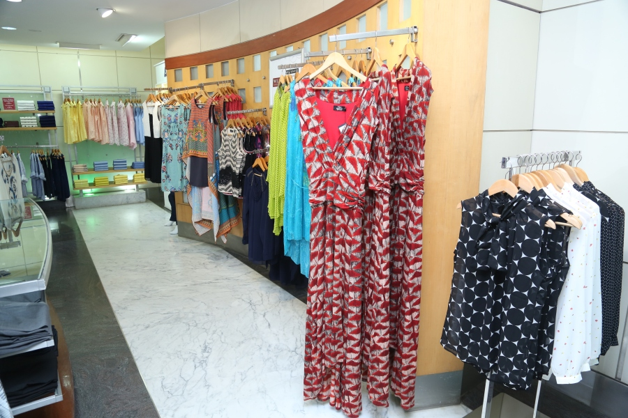 Wills Lifestyle Signature collection 2016- Beautiful maxi dresses from Signature collection